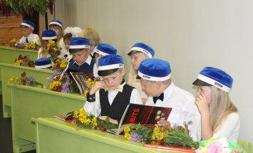 Lindi kooli koolijütsid said uhiuued koolimütsid