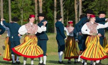Maie Orava 75. juubeli puhul toimus Orava tantsupidu