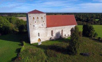 Церковь Пёйде – одна из самых старых каменных построек в Эстонии