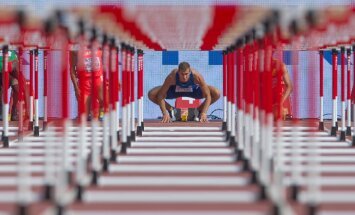 Maicel Uibo 110 m tõkkejooksu stardis