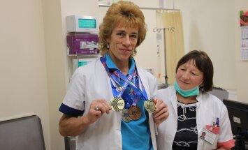 Onkoloog Lea Vahter tuli Austaalias kahekordseks seenioride kergejõustiku maailmameistriks