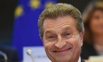 """Günther Oettinger ei palunud """"pilusilmadelt"""" vabandust, vaid väitis, et temast olevatvalesti aru saadud."""