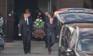Ene Sarap matused