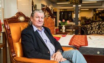 Pärnu kunagine suurärimees Elmar Lepp ei tee enam suurt bisnist. Töötab vaikselt Tallinnas ühes Kadaka tee mööblisalongis ja ütleb, et talle meeldib klientidega otse suhelda.