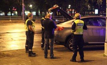 Alates tänasest võib tekkida olukord, kus sõiduki läbiotsimiseks peavad politseinikud ootama lausa tunde, enne kui kohtult loa saavad.