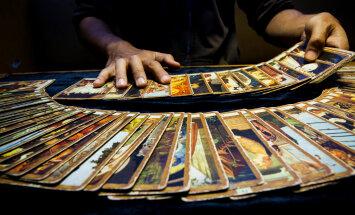 Taro ennustuskaardid: kuidas valida endale sobivat kaardipakki ja kuidas kaarte puhastada?