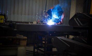 Palmse mehaanikakojas on palju keevitamist. Selle tööga saaks vajaduse korral hakkama ka ettevõtte juht ise.