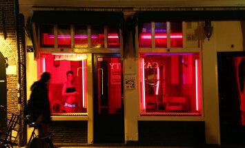 Teejuht Amsterdami punaste laternate kvartalisse