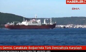 VIDEO: Vene sõjalaevastiku transpordilaevale tuli Dardanellides vastu Türgi allveelaev