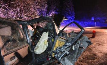 Avarii Viljandimaal, kus osales kolm autot