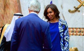 FOTOD: Uskumatu! Michelle Obama vilistas moslemite traditsioonidele ning ilmus kuninga matustele ilma pea- ja näokat