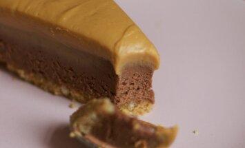šokolaaditort maapähklivõiga