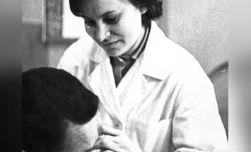 Käed ja käärid tööta ei jäta: 56 aastat juuksuriametit pidanud Aino Lembergi mälestused
