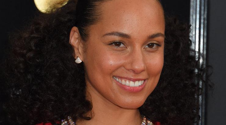 Julge naine! Alicia Keys juhtis Grammyde galat meigivabalt: ma ei taha ennast enam peita