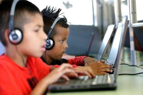 Lapsed arvutiga.