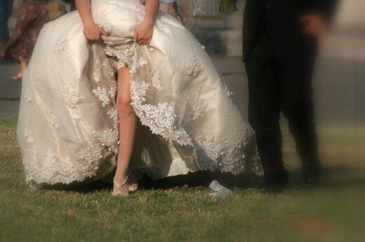 Uskumatud FOTOD   20 pruuti, kes oleksid pidanud oma õudsest pulmakleidist kaarega mööda kõndima... aga ei teinud seda
