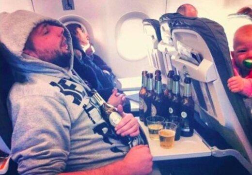 JUBEDAD FOTOD   Inimesed jagavad klõpse vastikutest kaasreisijatest lennukis, kes ajavad ära igasuguse reisituju