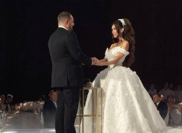 Звездная свадьба самарского олигарха: Гагарина иШнуров насцене, Варнава вместо тамады
