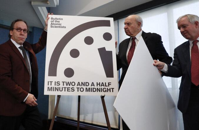 Tuumafüüsikud nihutasid viimsepäevakella osutit pool minutit keskööle ehk maailma lõpule lähemale