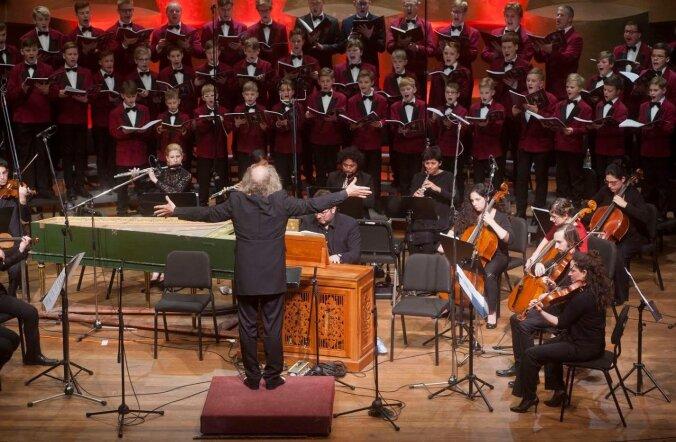 """Märtsi alguses esitas Andres Mustonen koos Tallinna poistekoori ja Klaipėda kammerorkestriga """"Johannese passiooni"""" Tel Avivis."""