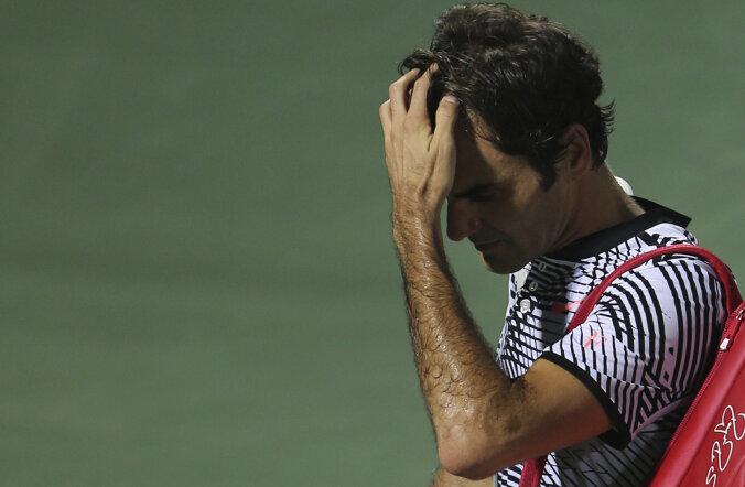 VIDEO: Federer kaotas Dubais maailma 116. reketile uskumatul moel