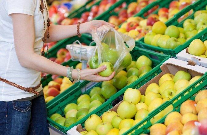 Закон запретит магазинам бесплатно раздавать прозрачные пакеты