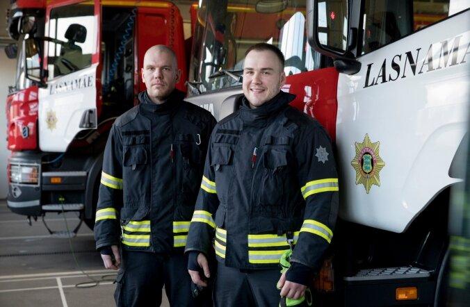 Kalle Sild (vasakul) ja Pavel Kulikov ütlevad, et tunnustuse üle rõõmsad, kuid tegelikult on iga päästetud elu taga suurema meeskonna töö.