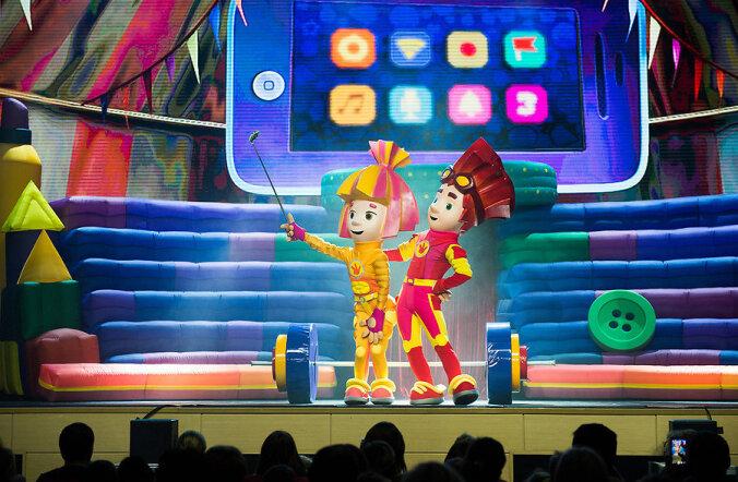 """Смотри, кто выиграл билеты на семейное шоу """"Фиксики играют в цирк"""""""