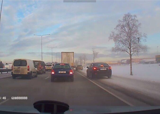 Liiklus Tartu maanteel