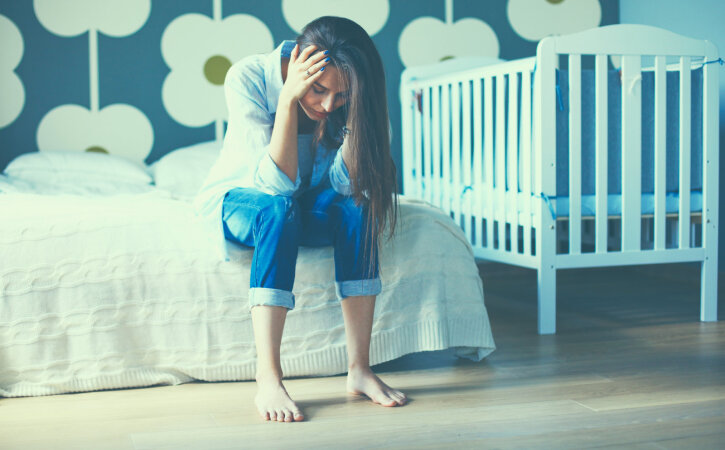 Sünnitusjärgne depressioon: tahtsin kodust ära joosta lootuses, et ma ei pea enne lapse suureks saamist sinna tagasi tulema