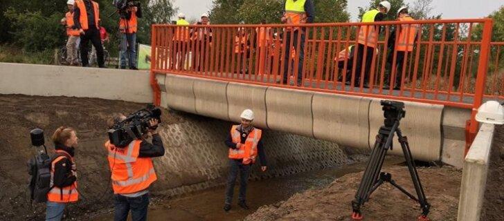 В Нидерландах открыли первый в мире мост, напечатанный на 3D-принтере