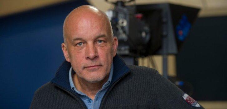 """Aastaid """"Aktuaalse kaamera"""" uudisteankruna töötanud Aarne Rannamäe tunneb end praegugi Eesti Televisiooni uudistestuudios koduselt."""