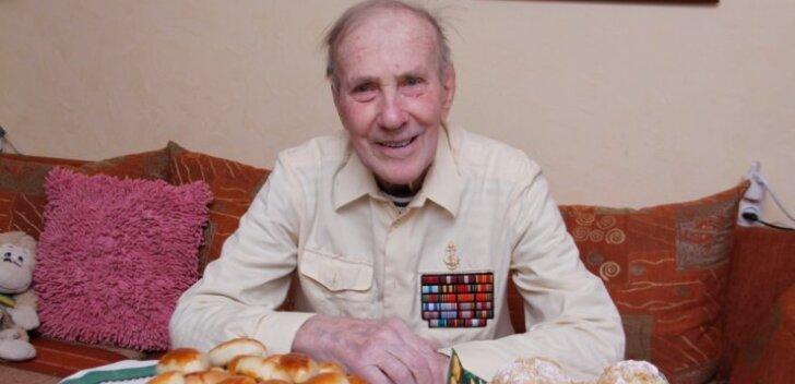 ФОТО: В чем его секрет? Житель Кохтла-Ярве Александр Михайлович Разгуляев отмечает 101-летие