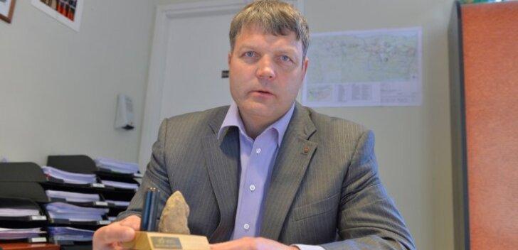 """Viru Keemia Grupi suuromanik Priit Piilmann ei anna alla. Isegi juhul, kui naftahind ei hakka ka sel aastal tõusma, suudab ettevõte ka 2017. aastal grammigi """"kivi"""" kaevandamata õli toota."""
