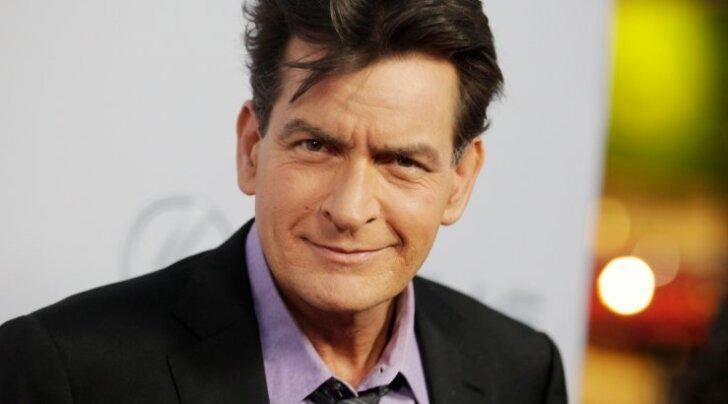 """Charlie Sheen """"Scary Movie 5"""" esilinastusel"""