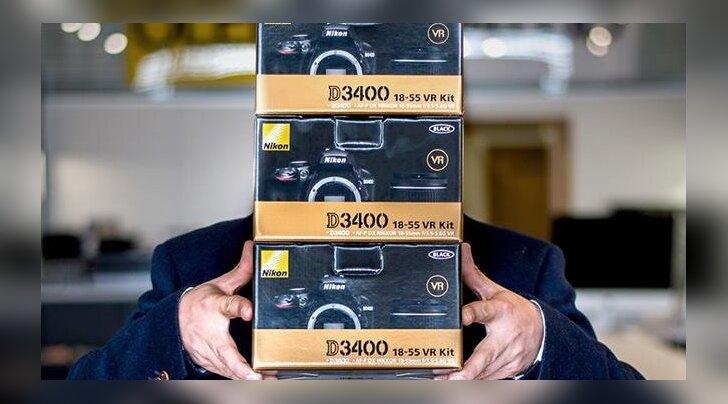 Armas žest: fotokonkursi võitnud fotograaf loobus auhinnarahast ja kinkis kolmele vaimupuudega noorele uhiuued kaamerad