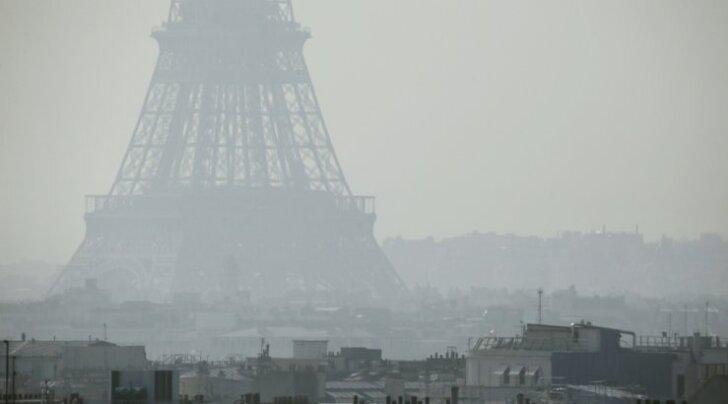 Eiffeli torn on sudusse mattunud. Siinsel pildil küll 2014. aastal, aga sellinevaatepilt kordub.