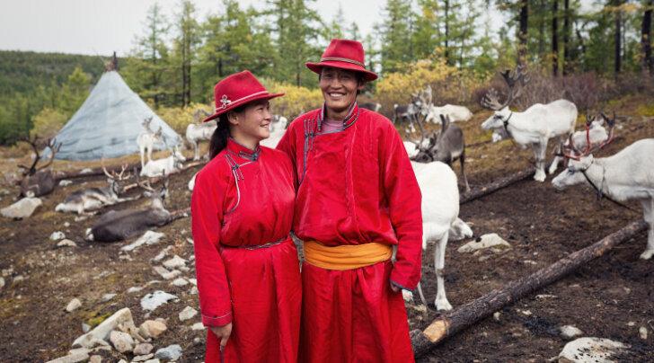 GALERII: Tee lõpmatuse teise otsa: Mongoolias, tsaatanite maal, šamanistidest põhjapõdraratsanike dukhade juures