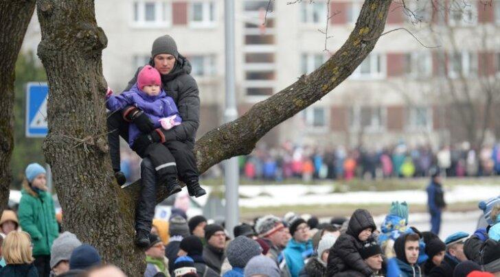 ФОТО DELFI: В Нарве прошел военный парад Сил обороны Эстонии