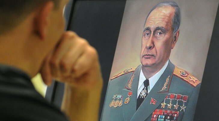 """Putinist saab uus Brežnev. """"Ta kavatseb jääda võimule 2024. aastani. Nii kauaks lubab seda põhiseadus ja kui ta pole just surnud, leiab ta võimul püsimiseks võimaluse ka pärast seda,"""" usub Nina Hruštšova."""