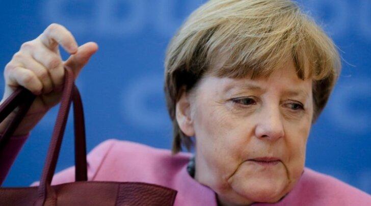 Rõivasega kohtuvalt Merkelilt nõutakse koalitsiooni sees viivitamatut kursimuutust pagulaspoliitikas