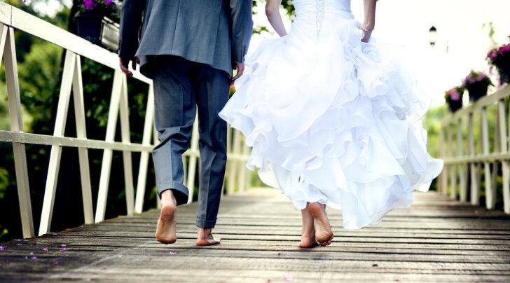 Suvi on pulmade aeg: 15 uskumust abiellumise kohta