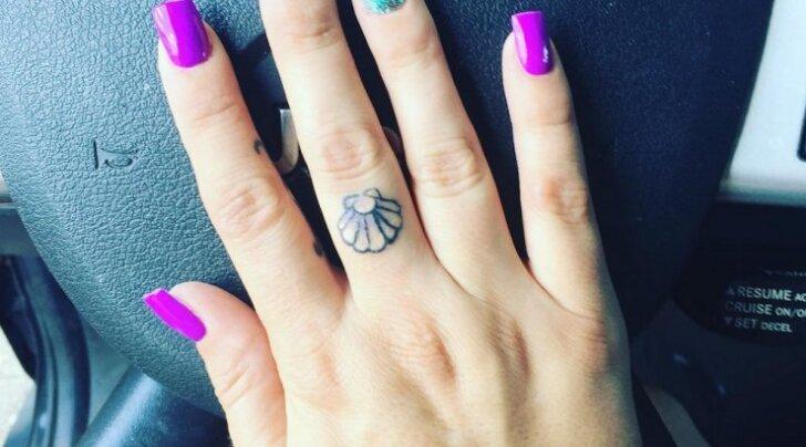GALERII: 25 sõrmedele jäädvustatud tätoveeringut, mis on kandjate arvates paremad kui sõrmused!