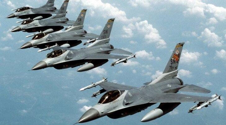 Venezuela kinkis kaitsesse tõmbuvale Iraanile uurimiseks USA hävitajad F-16