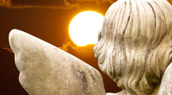 Taevased abilised: sind ümbritseb alati ingellik energia