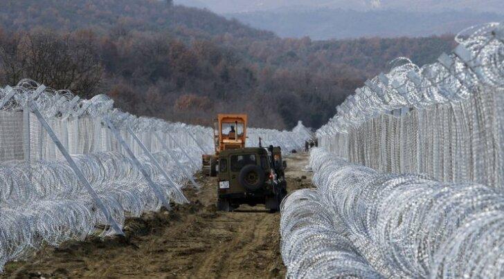 Läti-Vene piirile kerkib 2,7-meetrine okastraadiga tara