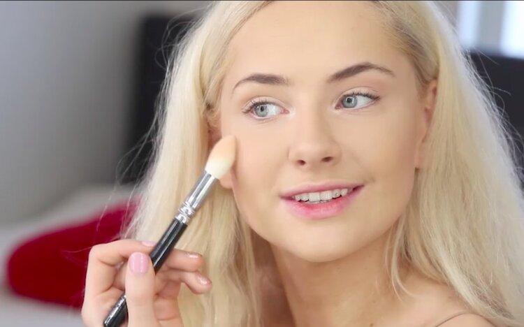 VIDEO | Siniste silmaalustega koletisest kauniks printsessiks: Brigitte Susanne Hunt tutvustab ...