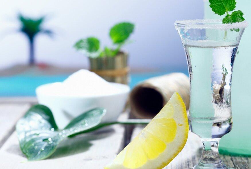 NAPSUDE VÄLIMÄÄRAJA | Millest tehakse hetke trendikamat jooki tekiilat ja mis asi on meskal?