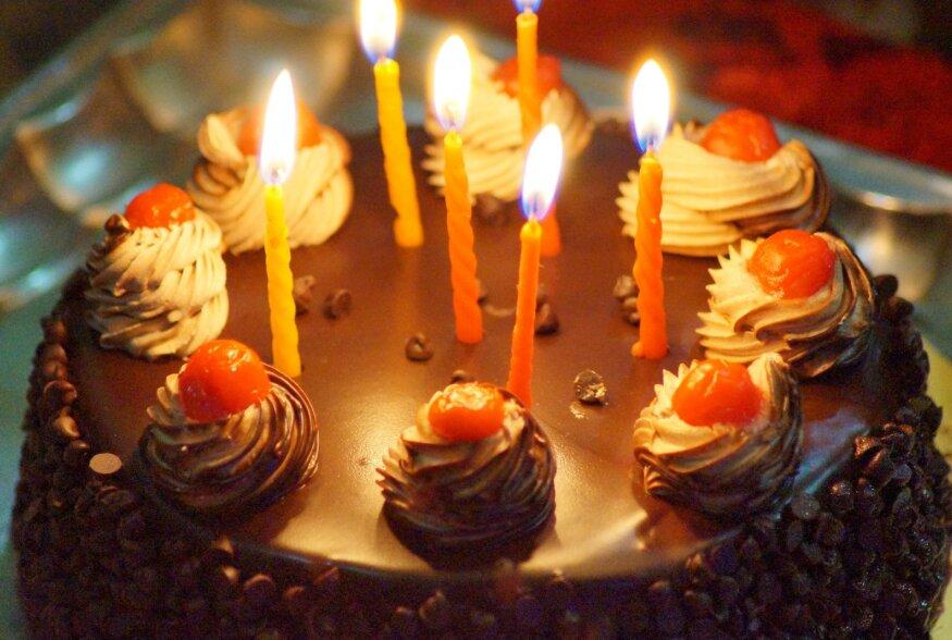 Jäädvusta oma pere sünnipäevalaud igaveseks ja pane oma traditsioonid kirja