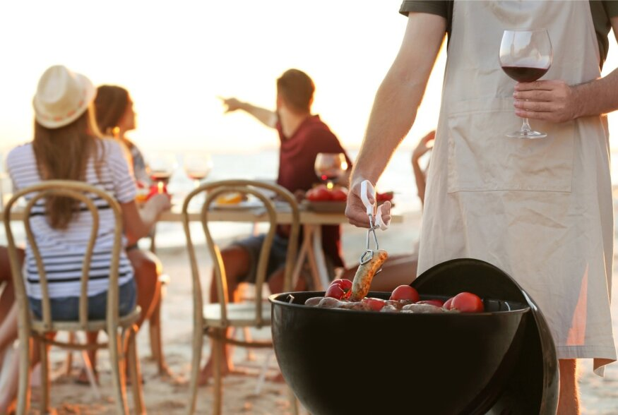 Mida juua grilli kõrvale? Vaatame üle söemekiga sobivad veinid (ja muud joogid)